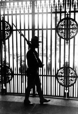 Soldier_at_Mexico-USA_border,_1916