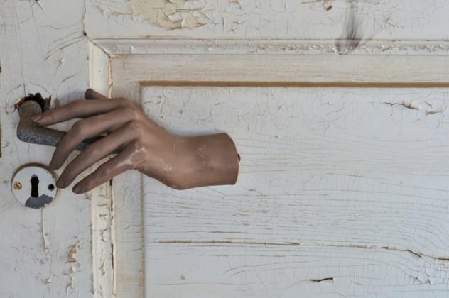 puerta llama